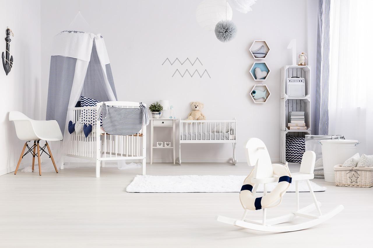 Krzesło eliot w pokoju