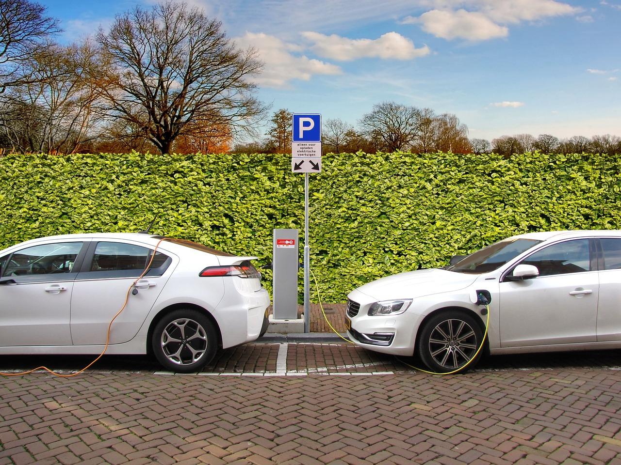 Kiedy warto zdecydować się na wypożyczenie samochodu?