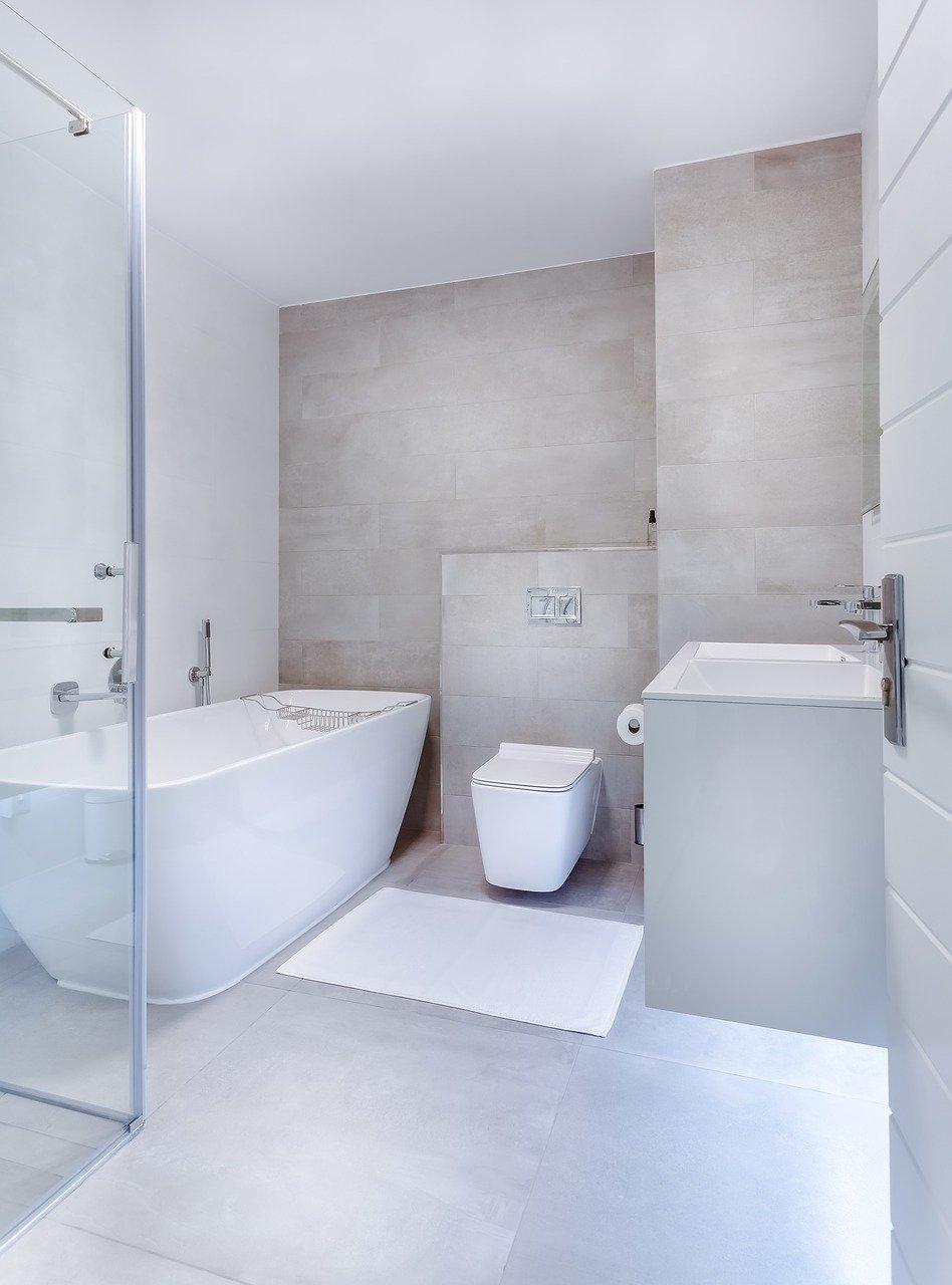 Dozowniki mydła: niezbędne wyposażenie łazienek