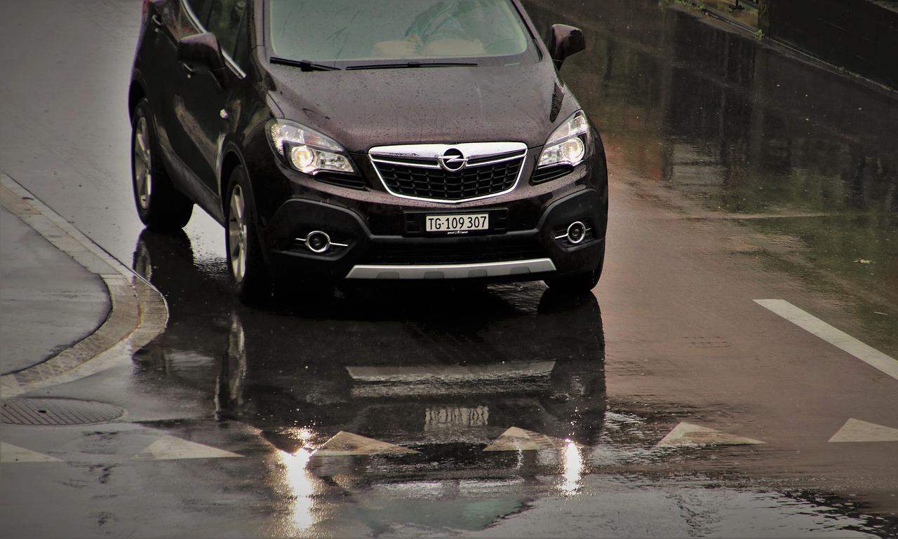 Poznaj zalety związane z wynajętym autem